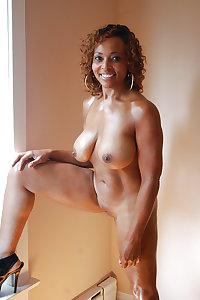 Sexy Matures, Milfs, Gilfs Wifes  8