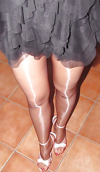 Reife Stuten , Strapse und geile Beine 2.