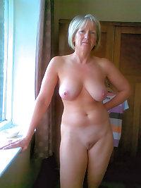 Take a lokk at an all female mature spa