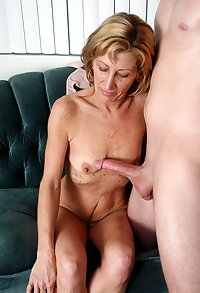 Mature sexy mommy