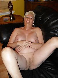 Mature slut fucking and sucking a hard cock