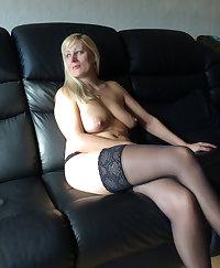 Mature slut getting herself wet
