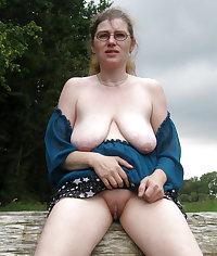 Mature slut loving to suck that hard cock