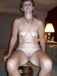 Moaning mature threesome