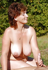 Matures moms aunts wives and gfs 322