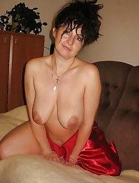Women housewife giving blowjob