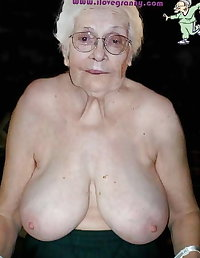 Mature loves to show her fanny for anyone who wants to see