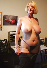Old pussy mature with big panties