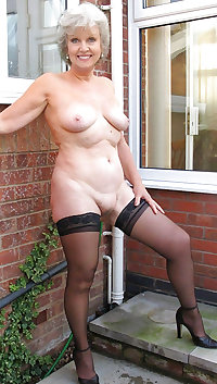 Mature loves to suck the cock