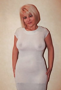 Ppussy from old mature and big dildo