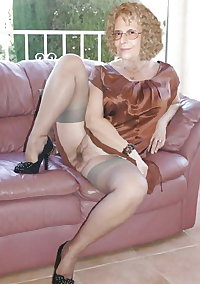 Another sexy set of pictures of your favourite 78 year old Grandma showing off all the bits you like to see.Come wank