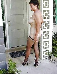 Mature Marg Cock Sucking At The Car Wash