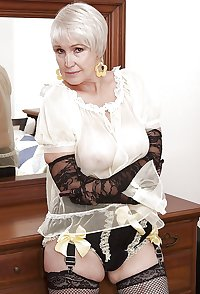 Mature Shirely Squirts... A Lot!