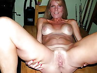 Mature has an old hot pussy