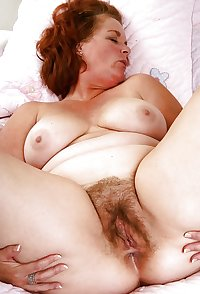 Hairy mature pussy spreading 2