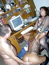 SEX PARTY MOMS
