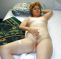 Amateur mature housewives milf