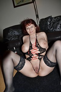 Amateur Mature Sexy Wives 11
