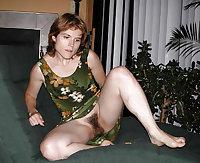 Sexy Matures & Milfs Upskirt no Panties 2