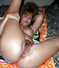 Sexy MILFs & Mature women show perfect asses & pussies