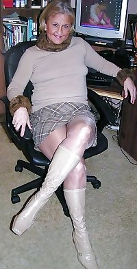 hotlegs-mature legs and more3