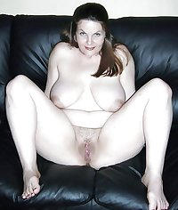 big titted mature-chubby ladies spread their sexy bare legs