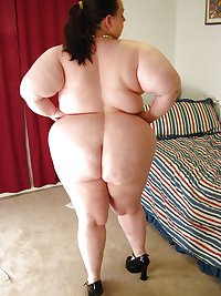 FAT MATURE AMATEUR WITH BIG BELLY