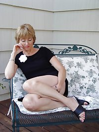 hotlegs-mature legs and more2