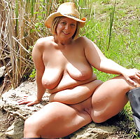 NAKED IN THE SUN: MILF & MATURES NAKED