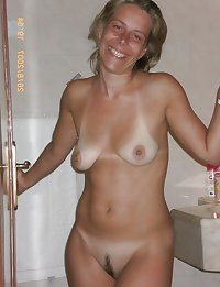 Sexy naked wives