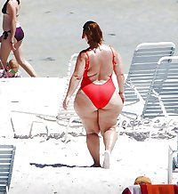 Spying Big Butt - Beach Voyeur - Candid Mature Booty