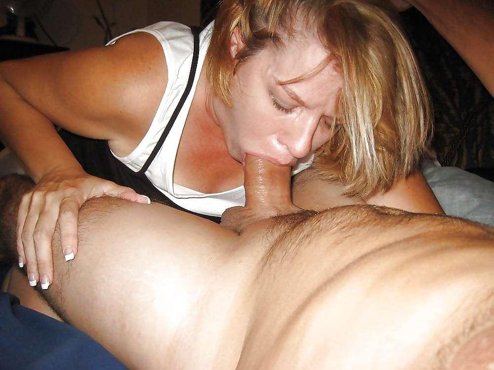 Wife eats babbysitters pussy